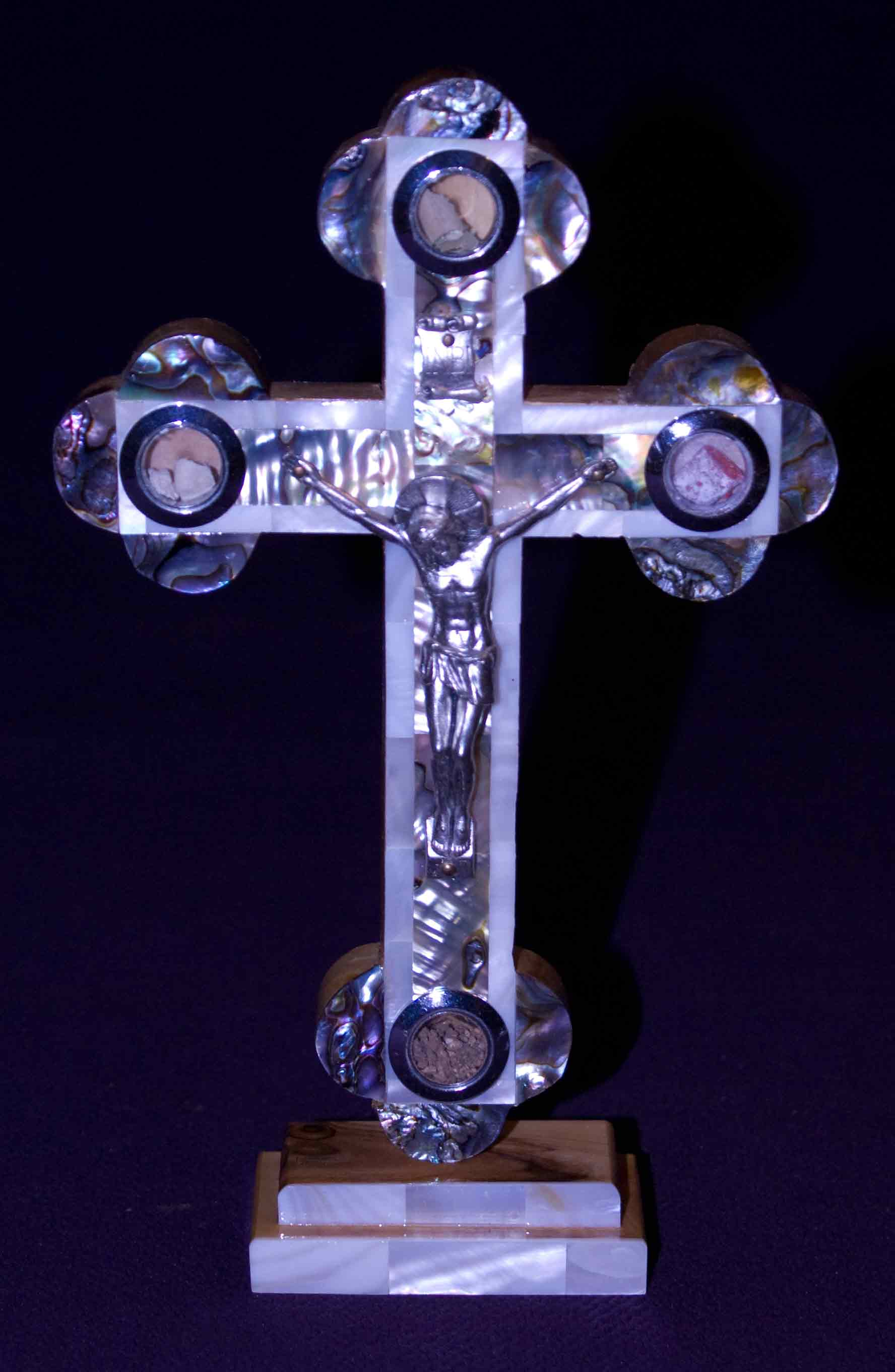 crucifix standing all mother of pearl abalone rocks leaves incense soil med